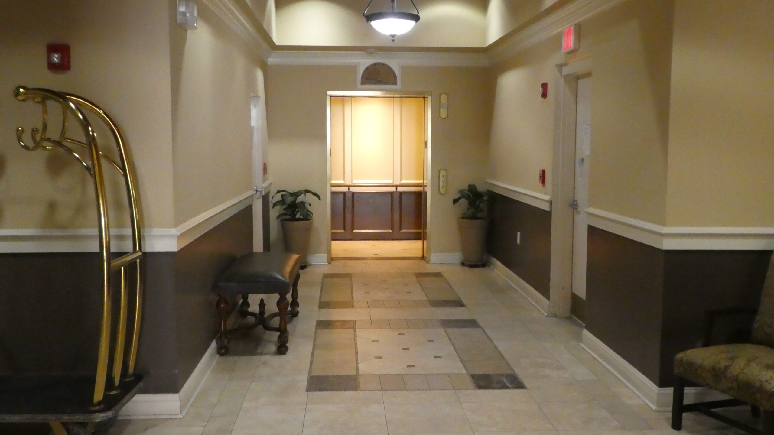 Photo of the corridor to the elevator of Bannerman Station