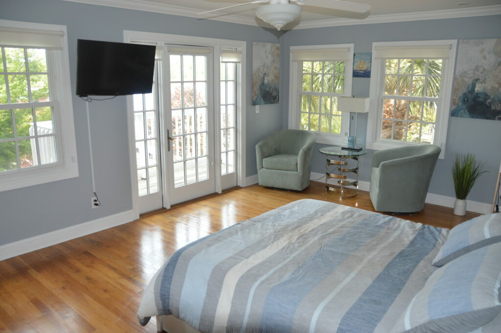 Photo of master bedroom at Governors Landing