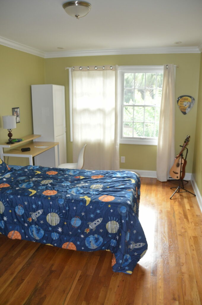 Photo of second bedroom