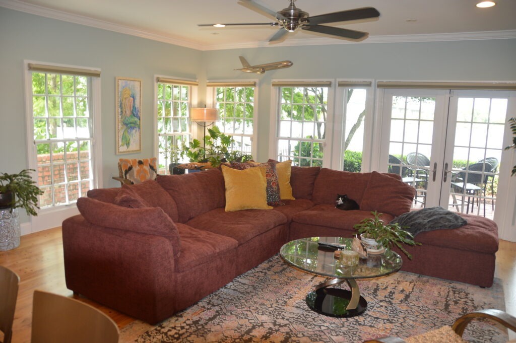 Photo of a end unit living room at Governors Landing